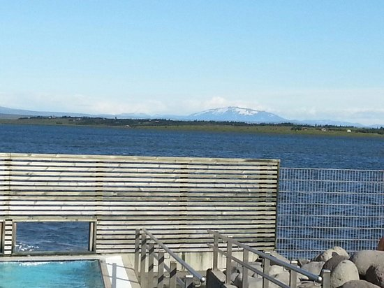 Laugarvatn Fontana Geothermal Baths : Pool with Lakeview