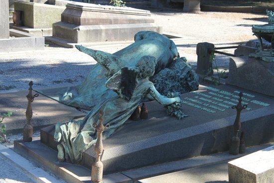 Monumental Cemetery: tombstones