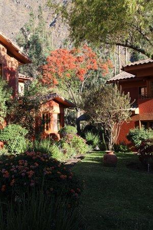 Pakaritampu Hotel: Hotel grounds