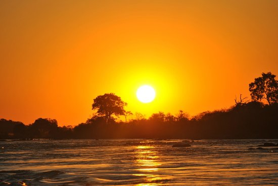 Sanctuary Sussi & Chuma : Zambesi river sunset