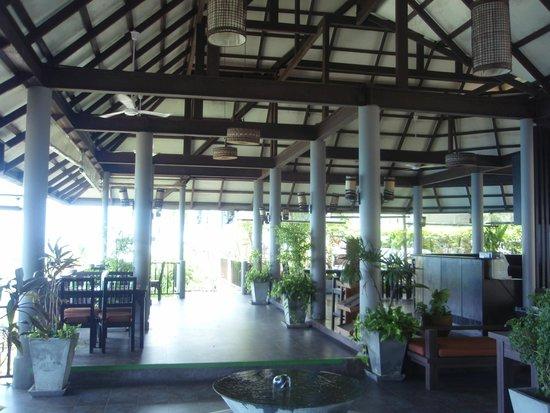 Merit Wellness & Mind Retreat Resort Samui : lobby กว้างสบาย บรรยากาศี