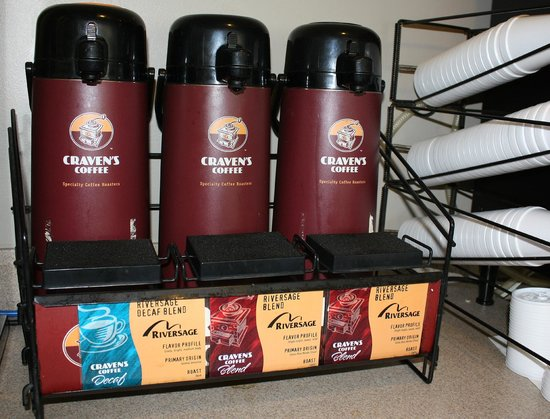 Hilltop Inn by Riversage : Free Craven's Premium Coffee 24/7 in the lobby.