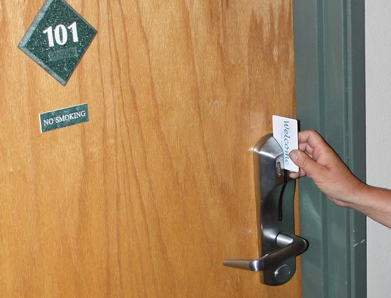 Hilltop Inn by Riversage : Secure Keycard Entry