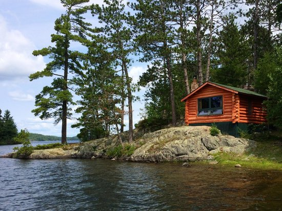 Burntside Lodge: Cabin on the shore