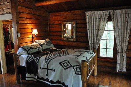 Burntside Lodge: Interior of cabin 24