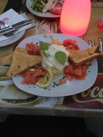 Restaurant Lubella: Salada de Salmão