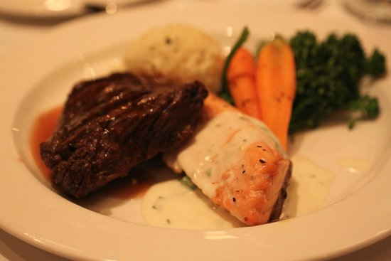 The Westin Poinsett, Greenville: We enjoyed seared salmon and grilled sirloin...prepared to perfection!