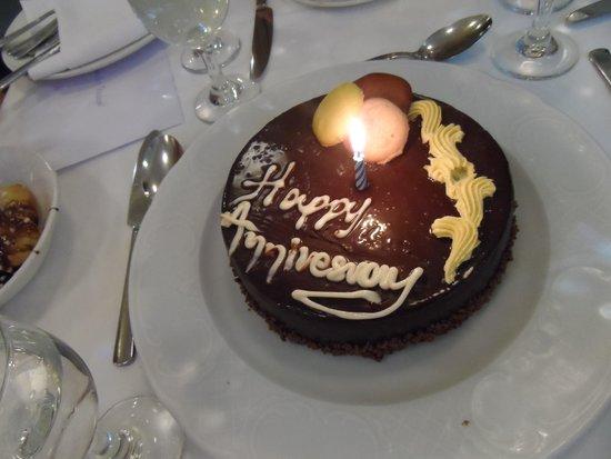 Aquila Porto Rethymno: Anniversary Cake