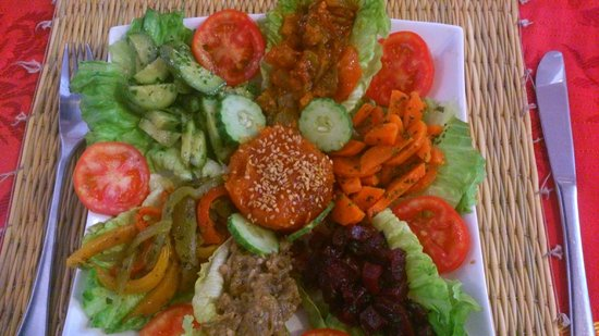 "Kui-Zin : salada ""marocaine""/ marocaine salad"