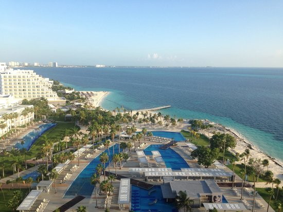 Hotel Riu Palace Peninsula : View from our room level 10