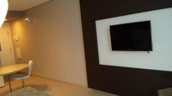 Intercity Salvador: visual moderno do quarto