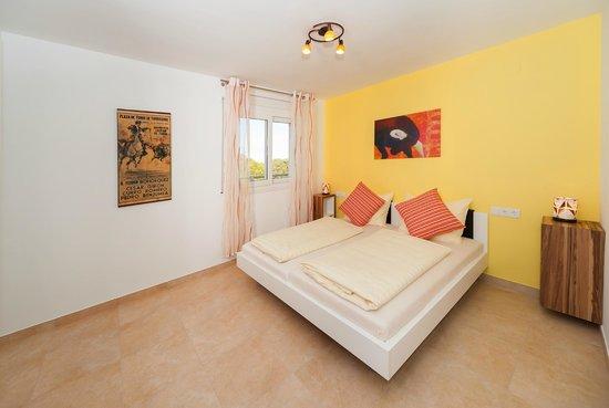 Apartamentos Mar y Sol: Schlafzimmer