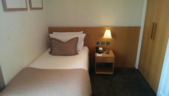 The Nadler Kensington: Room