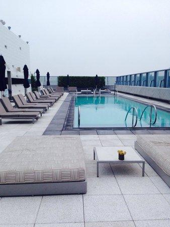 The Ritz-Carlton, Los Angeles: Outdoor pool