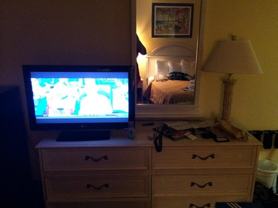 Quality Inn & Suites Oceanfront: Nice TV