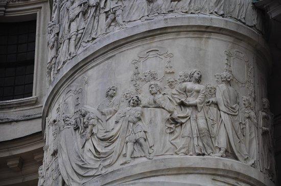 Église Saint-Pierre : PARTE DE SU HISTORIA