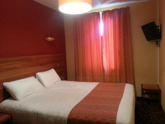 Hotel Regence: Bedroom