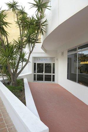 Oriana at the Topaz Hotel: Hotel Entrance