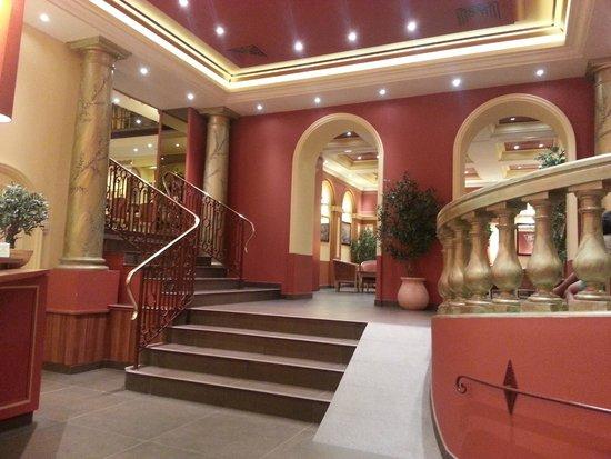 Hotel Regence: Reception area