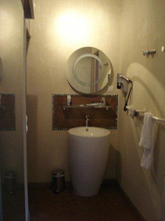 Hotel Le Belvedere : salle d'eau