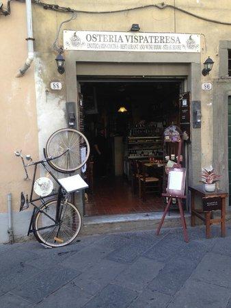 Lucca in Villa Elisa: Sulla via verso il centro