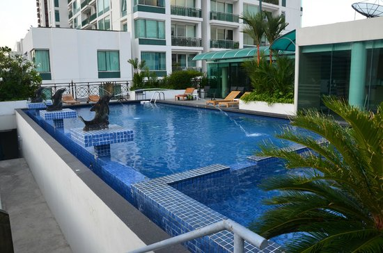 Admiral Premier Bangkok by Compass Hospitality: piscine2