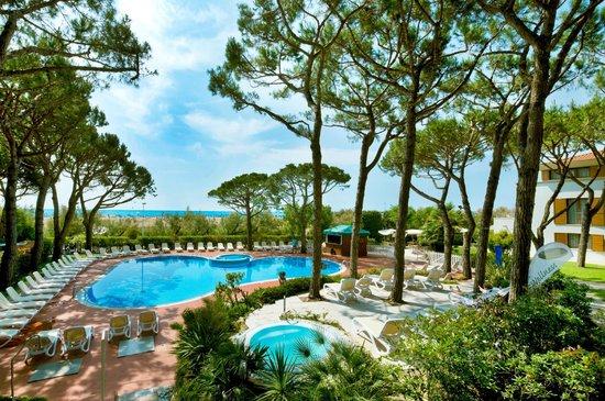 Park Hotel Pineta - Family Relax Resort: piscina fronte spiaggia - con accesso diretto dalla spiaggia alla piscina