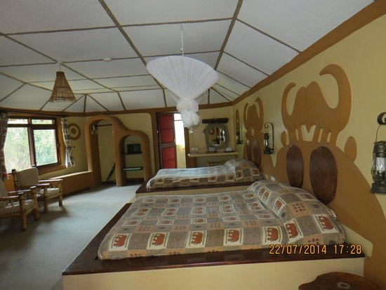 Amboseli Sopa Lodge: Our room
