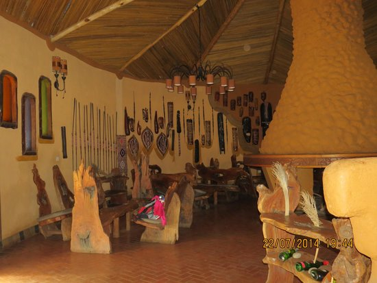 Amboseli Sopa Lodge : The bar