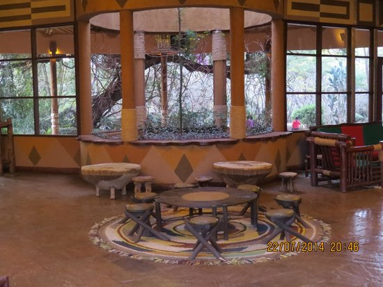 Amboseli Sopa Lodge: The lobby