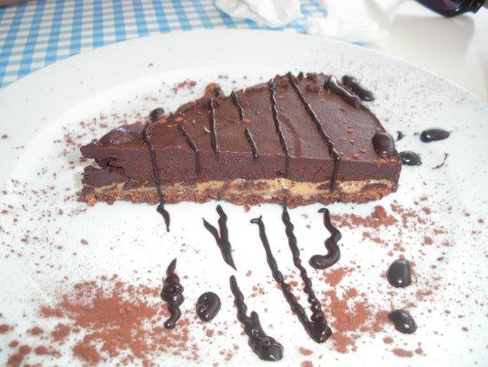 Avocado Restaurant: Τούρτα σοκολάτας με καραμέλα