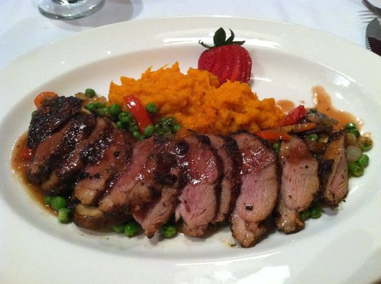 Cafe Parizade: Duck breast cooked to perfection