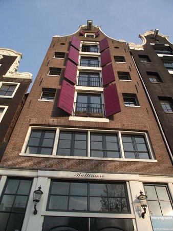 Outro prédio diferente no Herengracht.