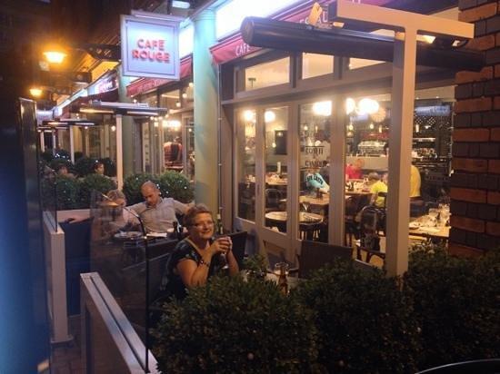 Cafe Rouge - Brindley Place: enjoying a lovely evening.