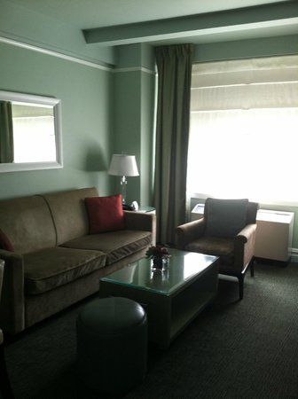 Hotel Beacon: Room 907