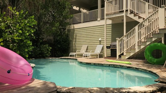 Anna Maria Guest Houses: Pool area