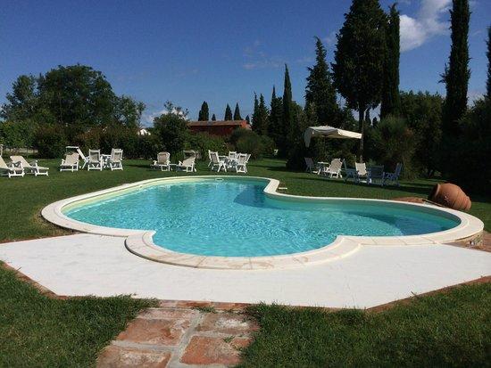 Borgo San Giusto: piscina
