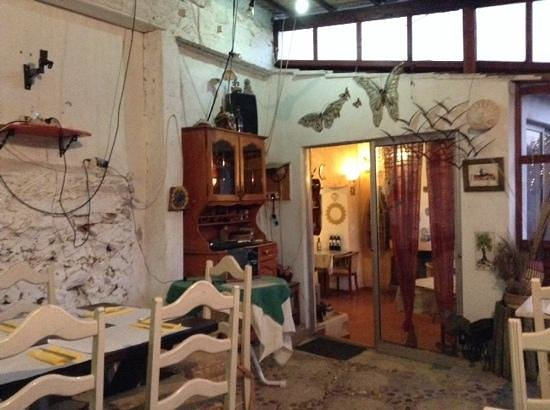 O Beiral Restaurant : l interno