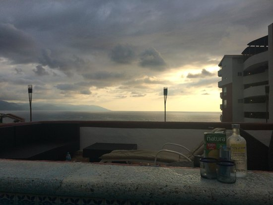 Amaca Hotel: Sunset on the roof