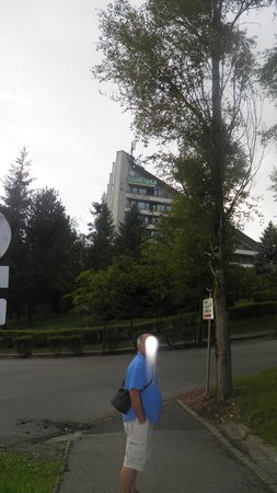 Hotel Jaskolka: widok hotelu zewnącz