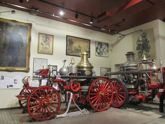 New York City Fire Museum : Old fire apparatus