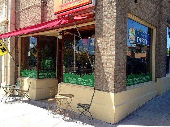 A Leap of Taste: 907 Main Street!