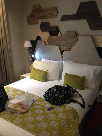 Hotel Prince Albert Wagram : Habitacion moderna