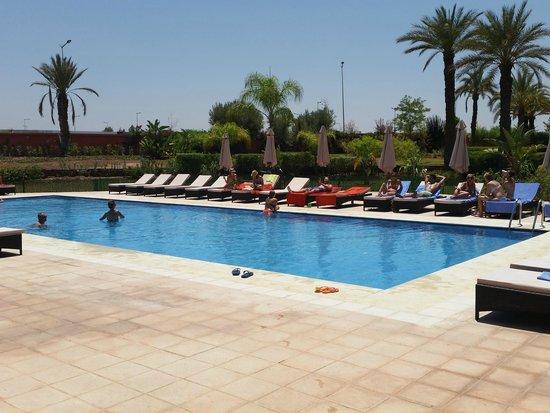 SENTIDO Kenzi Menara Palace : nouvelle piscine annexe
