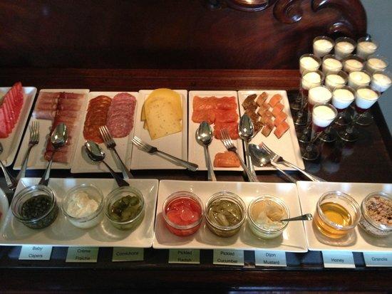 Gregans Castle Hotel: Cold breakfast