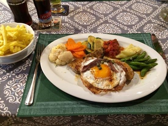 Hotel Posthuis Melchsee-Frutt: Kalbsschnitzel mit Ei