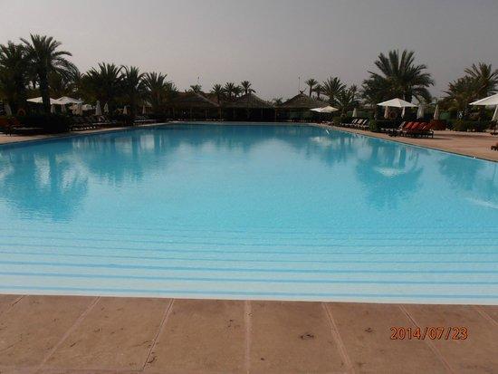 SENTIDO Kenzi Menara Palace: piscine principale