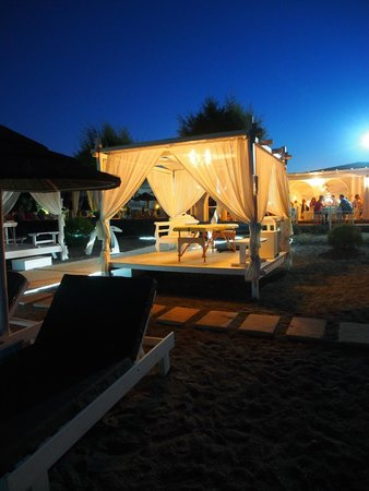 Mediterranean Beach Resort: The massage area