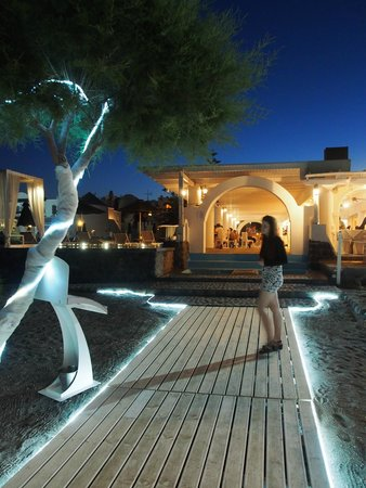 Mediterranean Beach Resort : The beach area at night