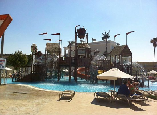Sun Palace Hotel : Younger childrens water play area